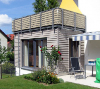 Kettenhaus Detailansicht Holzerker Haus 2