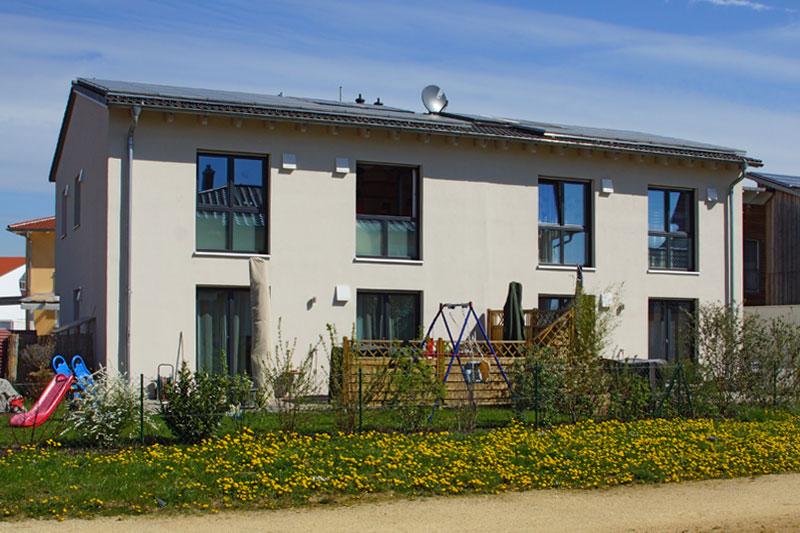 Doppelhaus Aussenansicht Gartenseite