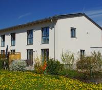Doppelhaus Aussenansicht Garten