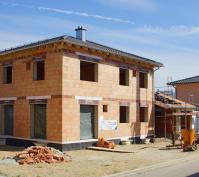 Efh Mit Walmdach, Neutraubling, Bauphase Rohbau, Ansicht Südwest