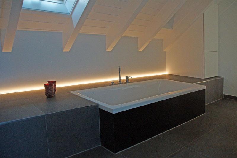 Umbau Pettendorf Elternbad Beleuchtung Badewanne