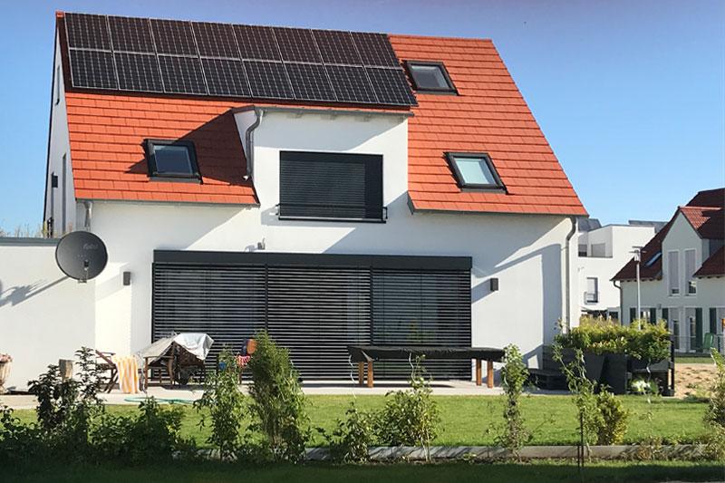 Neubau Kettenhaus in Burgweinting, Regensburg Stadt, Aussenansicht Garten