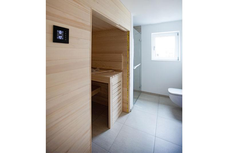 Kettenhaus in Burgweinting, Stadt Regensburg, Elternbad mit Sauna
