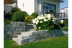 Aussenanlagen Treppenabgang Granitstein